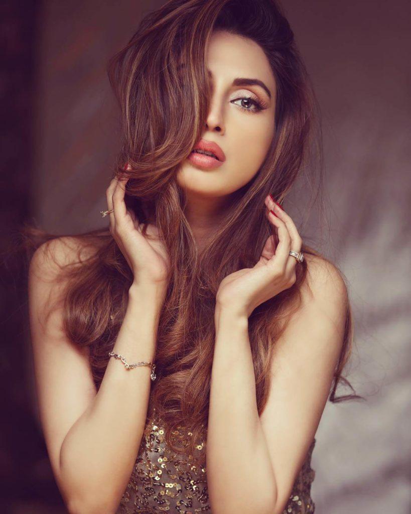 pakistani-model-imanali-photo-shoot-2017-1-819x1024
